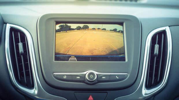 Глаза на затылке: как выбрать камеру заднего вида для авто