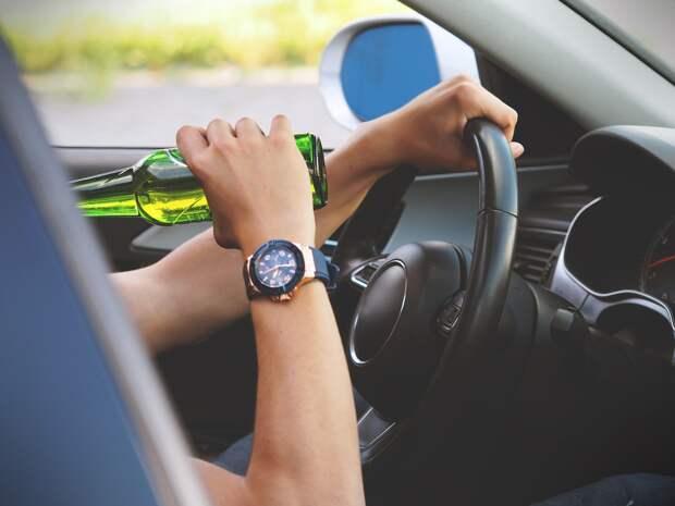 Пьяный житель Удмуртии угнал автомобиль и попал в ДТП