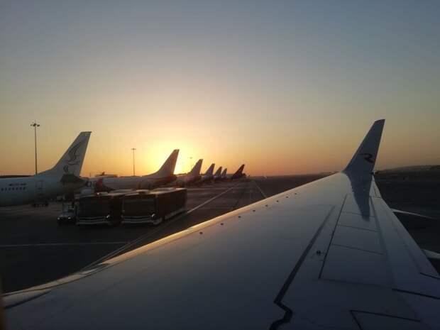 Таджикистан запретил часть полетов из России