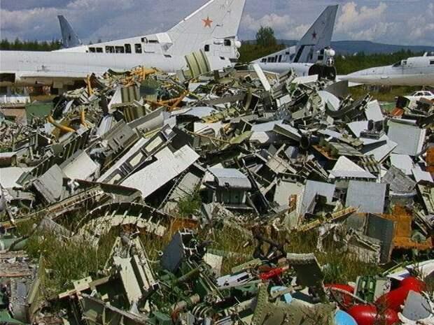 Авиационные КБ – в бомжи. Реформы по Сердюкову
