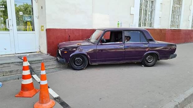 Сбивший пешеходов в Москве 17-летний водитель купил машину в интернете
