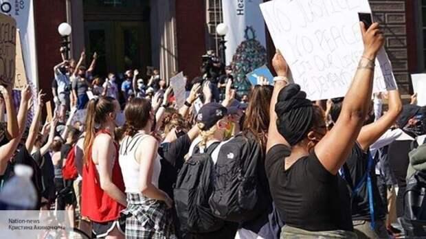 «В США прилетел бумеранг»: Спивак рассказал, кто стоит за беспорядками в Америке