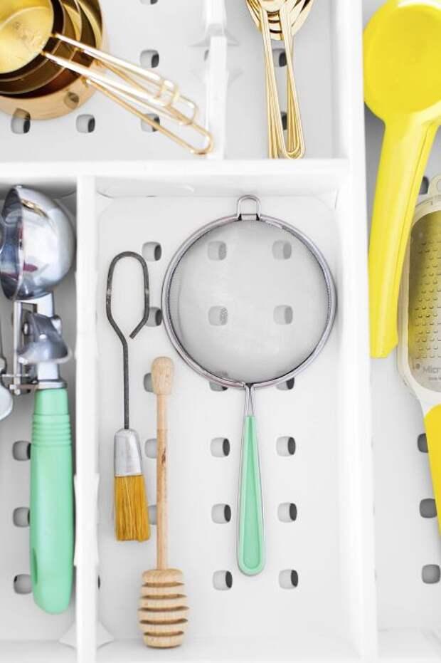 Очень полезная вещь в любом из выдвижных ящиков. /Фото: cyteband.com