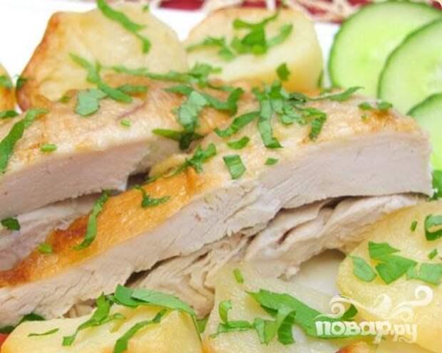 """Курица с картофелем, запеченная в """"рукаве"""""""