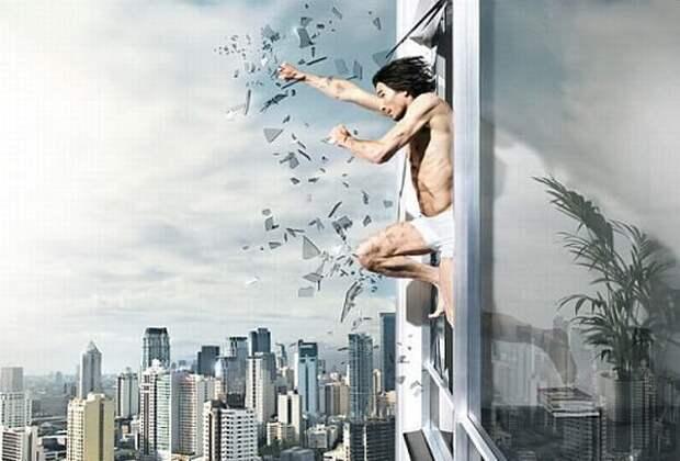 Запасом прочности, наделенным Природой, человек пользуется очень редко, один-два раза за всю свою жизнь, а иногда этот запас может оказаться и вовсе невостребованным. Запас прочности – гарантия нашего выживания, биологическая защита, и используется лишь тогда, когда речь идет о жизни и смерти. Страх и чувство самосохранения в момент экстремальной ситуации «разрешает» организму человека использовать полностью этот запас, но большинство людей прибегают к своему неприкосновенному запасу довольно редко. Но однажды использовав весь запас своих возможностей, человек потом всю оставшуюся жизнь не перестает удивляться, как это ему удалось.   Перед лицом смертельной опасности, когда угроза жизни колоссальная, и смерть, кажется, неминуема, человеческий организм может творить чудеса. Примеров тому много.  Пожилой человек, когда за ним погнался разъяренный бык, буквально перемахнул через двухметровый забор, хотя в молодости не был спортсменом.