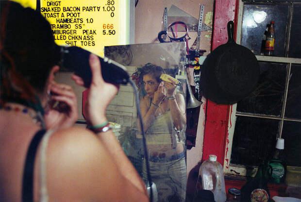 Наобочине: другая Америка вобъективе фотографа-панка Майка Броди