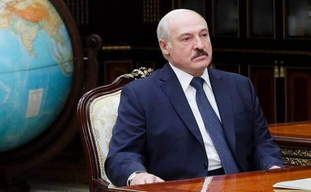 Лукашенко подверг жесткой критике политику многовекторности