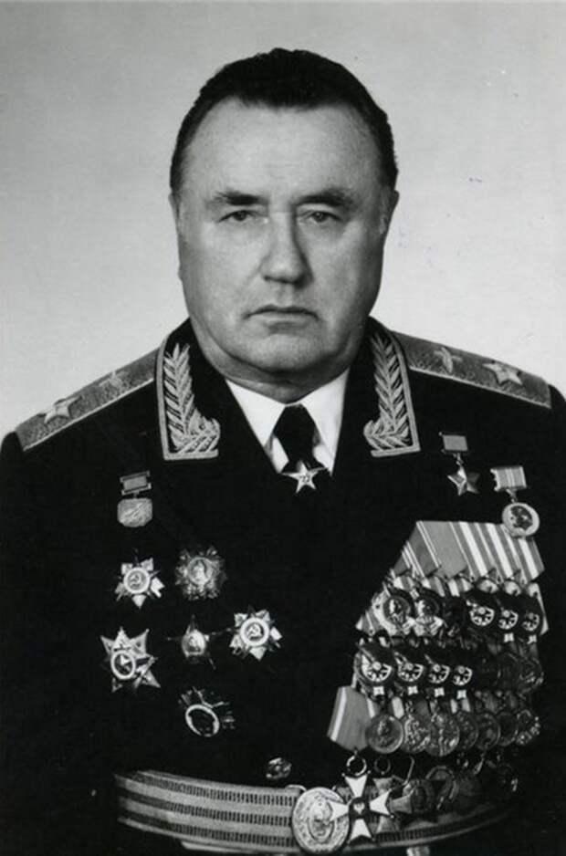 8 интересных фактов про Евгения Шапошникова