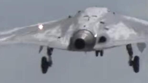 Минобороны опубликовало видео первого полета беспилотника «Охотник»