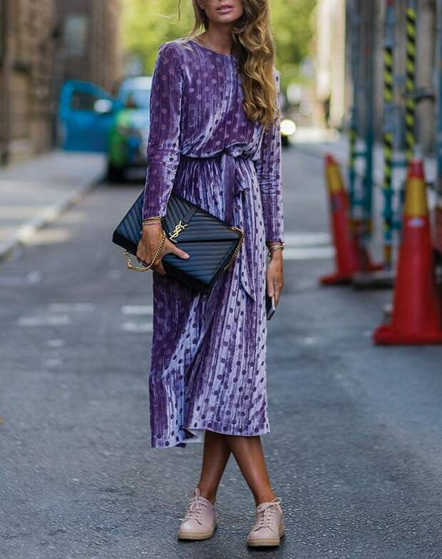 Как стильно носить вещи, которым 5-10 лет. Образы для женщин 50+