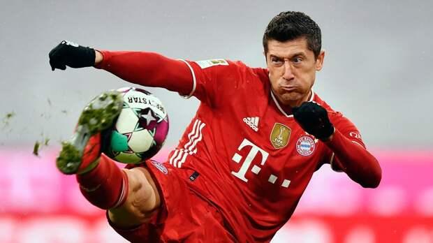 Левандовски за 8 туров до окончания сезона в Бундеслиге забил 35 голов. Лишь Герд Мюллер забивал за сезон больше