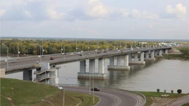 Уровень воды в реке Обь в районе Барнаула почти достиг критической отметки