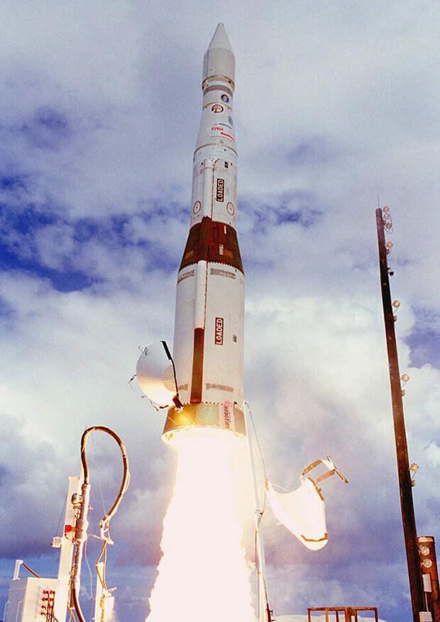 Взлет ракеты-перехватчика
