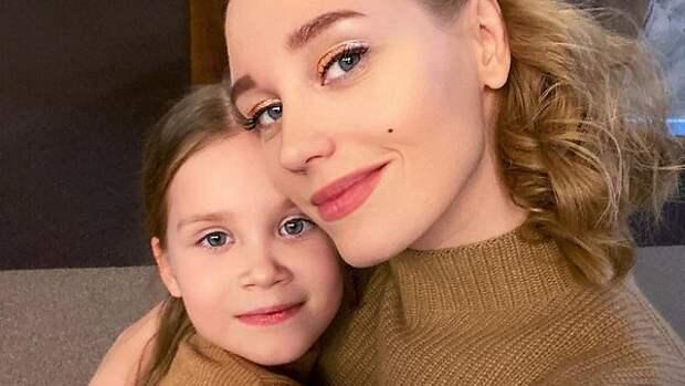 «Это очень уже много»: дочь напомнила разведенной Асмус о наболевшем