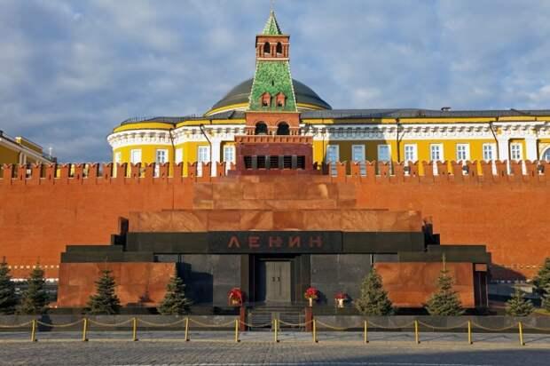 Почему до сих пор с Красной площади не убрали мавзолей и не предали Ленина земле
