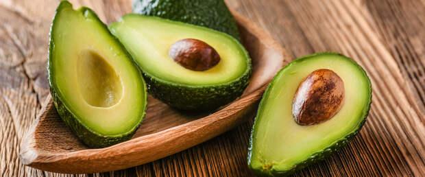 Учёные заявили, что авокадо помогает бороться с раком благодаря авокатину В