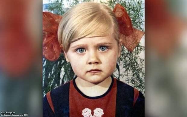 Натали (Наталья Рудина) в детстве