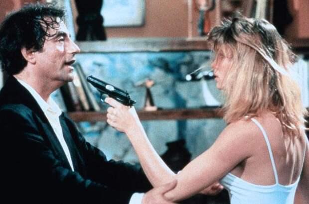 """Пьер Ришар в комедии """"Налево от лифта"""" (1988)"""