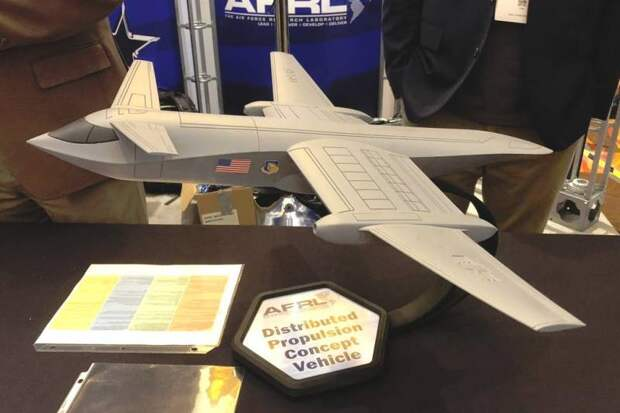 Меньше шума и расхода топлива: в США придумали гибридный лайнер для ВВС