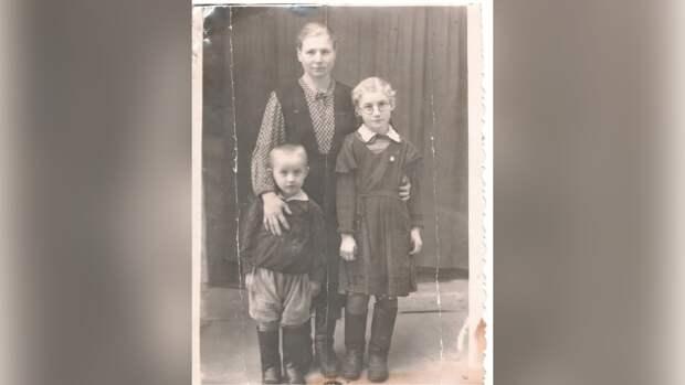 Ребенок ВОВ рассказала о том, как война дошла до Новгородской области и ее семьи