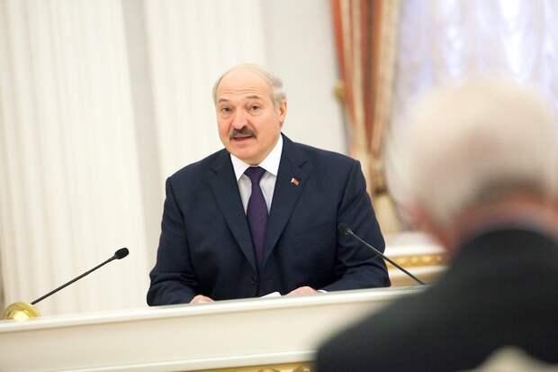 Лукашенко: Тихановская забыла, что я её спас и дал денег на жизнь