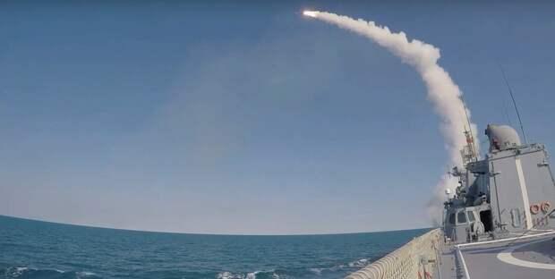 Опубликованы кадры запуска ракет в Черном море