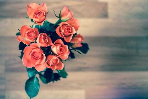 Покупка цветов ко Дню святого Валентина обошлась россиянам в 2,5 тыс рублей