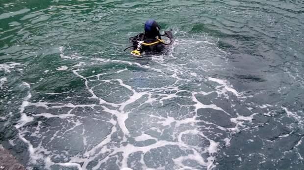 Специалисты ГКУ РК «КРЫМ-СПАС» продолжают работы по обследованию и очистке дна акватории пляжей