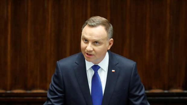 Международный скандал: президент Польши назвал Россию ненормальной