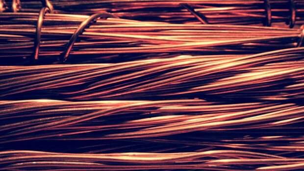 В подъезде дома на Кронштадтском загорелись провода