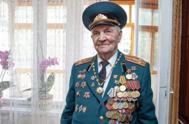 В День Победы ветерану Павлу Васильевичу Гладкову исполнилось 100 лет