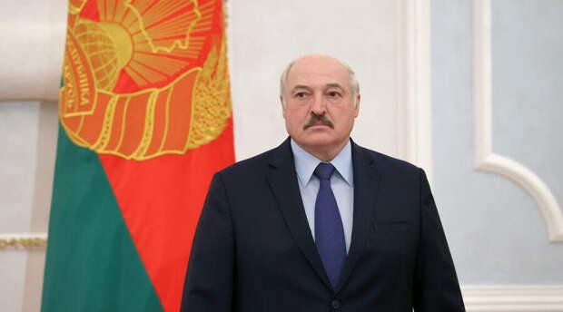 «Пропихнуть на референдуме»: Лукашенко сказал комиссии как работать над Конституцией