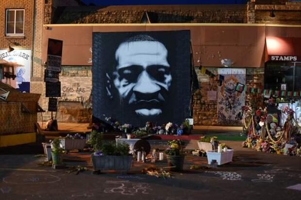 На акции памяти Джорджа Флойда в Миннеаполисе произошла стрельба