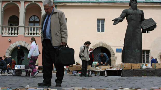 Где спрятана тайная комната русского мира? На Украине угрожают сжечь русскоязычный лицей