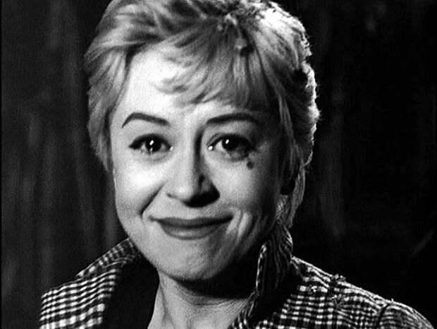 Джульетта Мазина в фильме *Ночи Кабирии*, 1957   Фото: kino-teatr.ru
