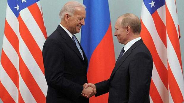"""СМИ: Байден планирует указать Путину на его """"пагубное поведение"""""""