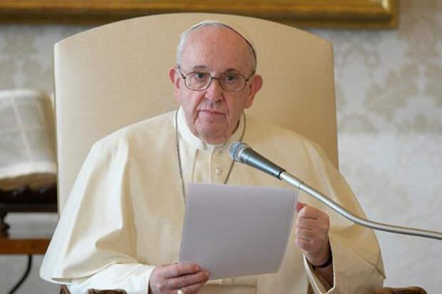 Папа римский призвал молиться за благополучие роботов