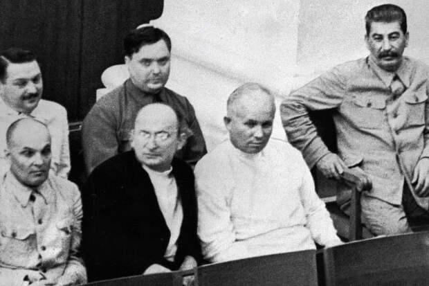 Почему Сталин любил Хрущева, а тот его в ответ ненавидел