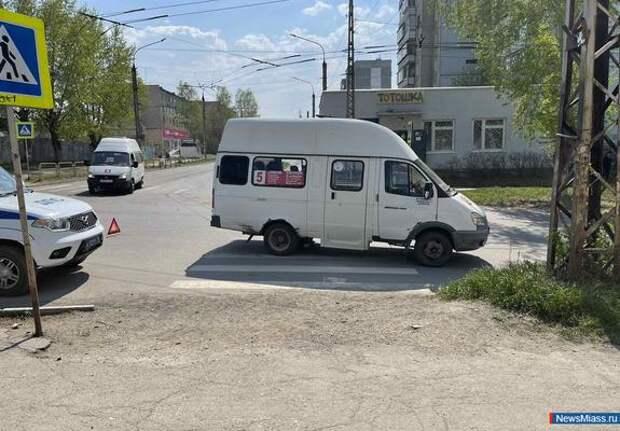 В Челябинской области маршрутка сбила школьницу на «зебре»