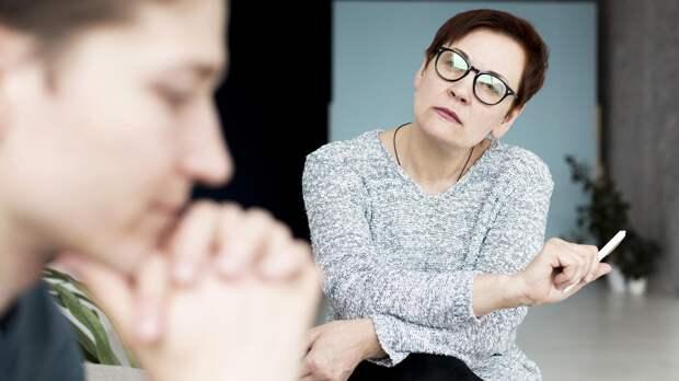 Психолог рассказала, как уберечь подростка от вредных привычек