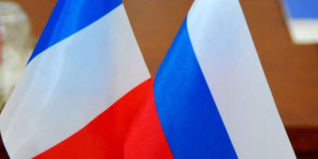 В Кремле сообщили о разговоре Путина и Макрона