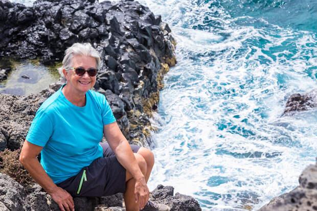 Пожилую россиянку дважды спас из волн один и тот же спасатель на Крите