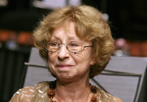 Лия Ахеджакова также госпитализирована с коронавирусом