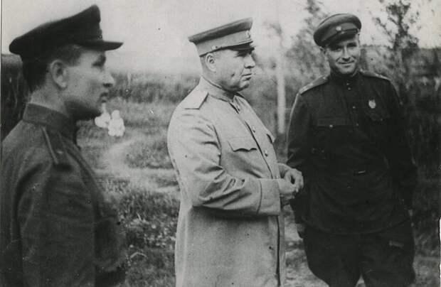За что Сталин ценил хитрого генерала-самодура, который хамил ему
