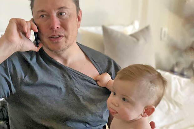 Илон Маск впервые показал подросшего сына