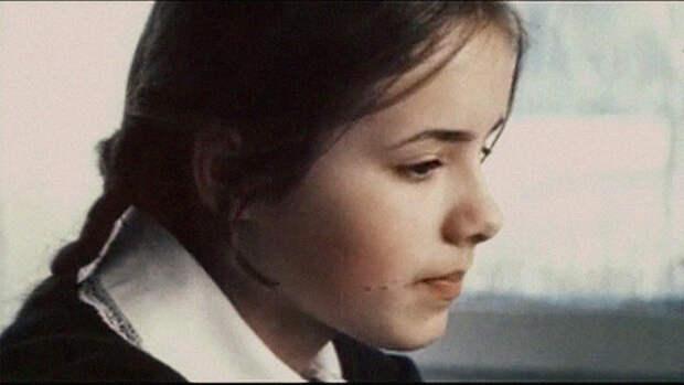 "Елена Цыплакова, кадр из фильма ""Не болит голова у дятла"""