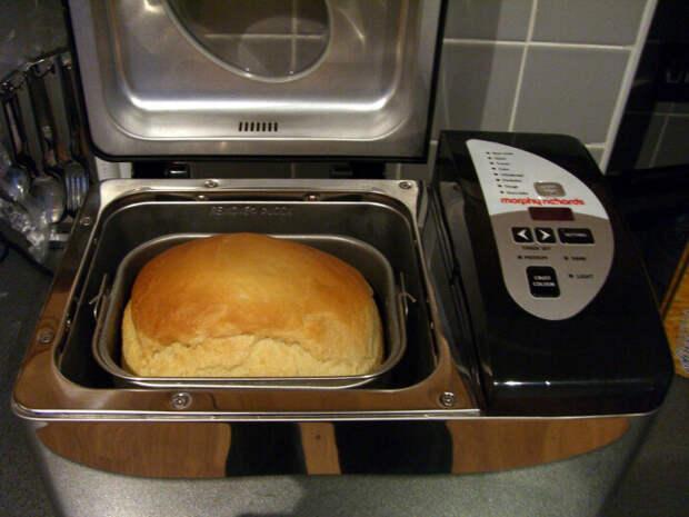 Лучшая хлебопечка на кухне — это духовка. /Фото: upload.wikimedia.org