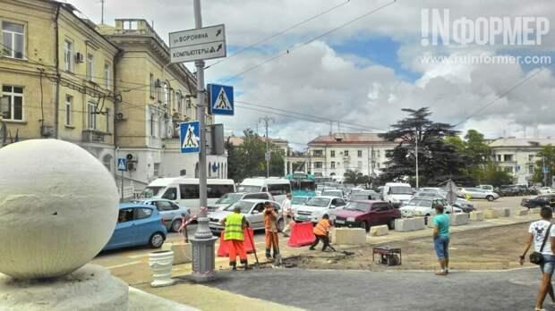 Дорога ложка к обеду, а дороги в Севастополе - к приезду начальства? (фото, видео)