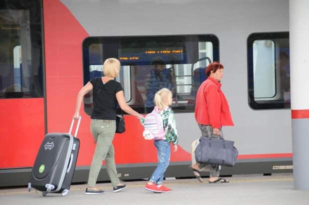 Дополнительные поезда до Москвы и Санкт-Петербурга пустят в майские праздники