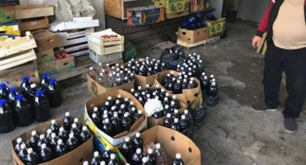 Подпольный алкоцех с тоннами суррогата накрыли в Ялте